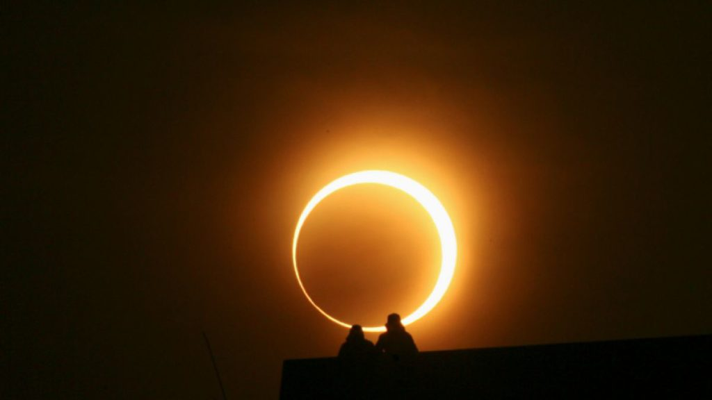1487944078-eclipse-solar-anular-reuters